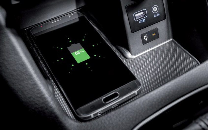 https://www.hyundaimotors.co.il/wp-content/uploads/2019/02/i30-gallery-inside-charger-pic-desktop-1.jpg
