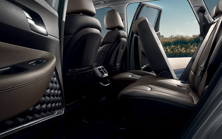 https://www.hyundaimotors.co.il/wp-content/uploads/2019/02/new-SantaFe-inside-gallery-back-seat-desktop-1.jpg