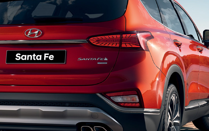 https://www.hyundaimotors.co.il/wp-content/uploads/2019/02/new-SantaFe-outside-gallery-lighting-desktop-1.jpg