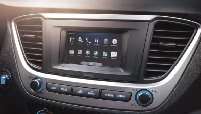 https://www.hyundaimotors.co.il/wp-content/uploads/2019/03/accent-inside-gallery-connectedCar-pic-mobile.jpg