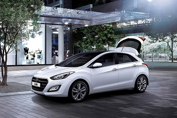 https://www.hyundaimotors.co.il/wp-content/uploads/2019/03/i30cw-gallery-pic1.jpg