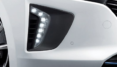 https://www.hyundaimotors.co.il/wp-content/uploads/2019/03/new-ioniq-outside-air-led-pic-mobile.jpg