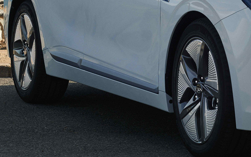 https://www.hyundaimotors.co.il/wp-content/uploads/2019/03/new-ioniq-outside-wheel-pic-desktop-1.jpg