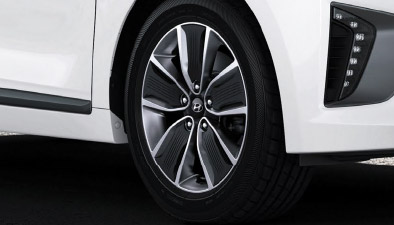 https://www.hyundaimotors.co.il/wp-content/uploads/2019/03/new-ioniq-outside-wheel-pic-mobile.jpg